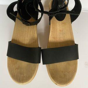 Sven ankle-strap clog sandal